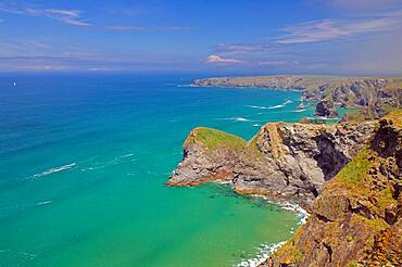 Cliffs and rocks, clear water, Bedruthan Steps, Cornwall, United Kingdom, Europe