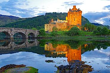 Eilean Donan Castle, stone bridge, film location, Dornie, Highlands, Scotland, United Kingdom, Europe