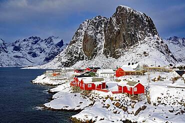 Rorbuer on Sakrisoy, fjord landscape, mountains, Hamnoey, Lofoten, Nordland, Norway, Europe