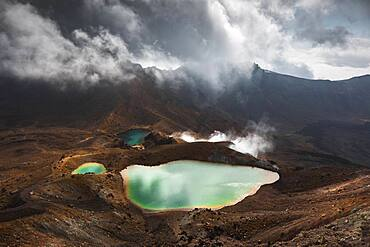 Volcanic lake, Tongariro National Park, Ruapehu District, North Island, New Zealand, Oceania