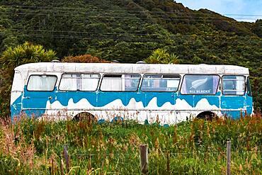 Old bus, Karamea, Buller District, West Coast, South Island, New Zealand, Oceania