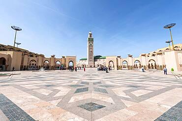 Hassan II Mosque, Grande Mosquee Hassan II, Moorish architecture, with 210m highest minaret of the world, Casablanca, Morocco, Africa