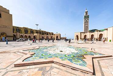 Star-shaped decorated fountain, Hassan II Mosque, Grande Mosquee Hassan II, Moorish architecture, with 210m highest minaret in the world, Casablanca, Morocco, Africa