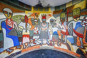 Wall mural in the Benin National Museum in the Royal gardens, Benin city, Nigeria, Africa