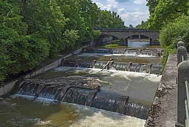 Barrages in the Isar at the Maximiliansbruecke, Munich, Bavaria, Germany, Europe