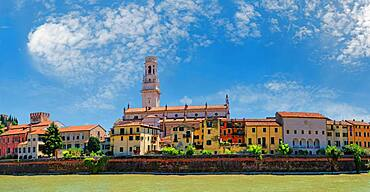 River Adige with Old Town Verona, Lungoadiges Giorgio, Verona, Veneto, Italy, Europe