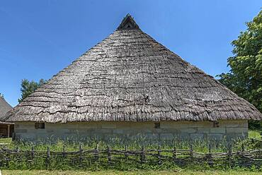 Swedish house with thatched roof built in 1554, small farmhouse in late medieval architectural style, today in the Franconian Open Air Museum, Bad Windsheim, Middle Franconia, Bavaria, Germany, Europe