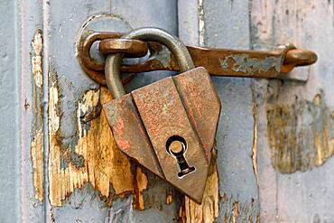 Old padlock hanging on a wooden door, Fischen, Allgaeu Alps, Allgaeu, Bavaria, Germany, Europe