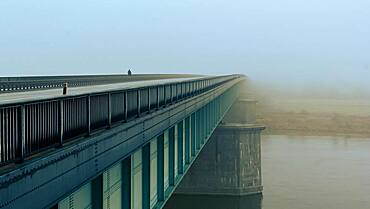 "The """"Knybawski"""" Bridge over Vistula River, fog, Tczew, Dirschau, Pomerania, Poland, Europe"