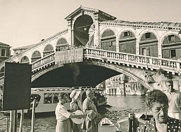 Ponte di Rialto, Rialto Bridge, Venezia, Venice, historical photo from 1960, Italy, Europe