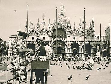 Piazza San Marco with Palazzo Ducale, St Mark's Square with Doge's Palace, Venezia, Venice, historical photo from 1960, Italy, Europe
