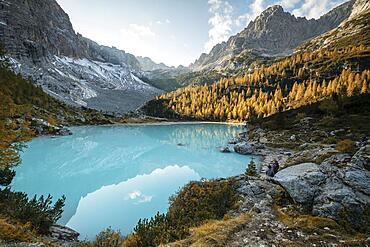 Turquoise-green Lake Sorapis, Lago di Sorapis, Dolomites, Belluno, Italy, Europe