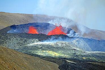 Active volcano with lava fountains, volcanic crater, Fagradalsfjall, Geldingadalir, Reykjanes, Sudurnes, Iceland, Europe