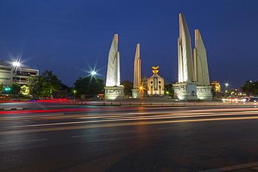 Democracy Monument at dusk, Bangkok, Thailand, Southeast Asia, Asia