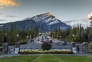 View down Banff Avenue toward Snow Peak, Banff, Banff National Park, UNESCO World Heritage Site, Canadian Rockies, Alberta, Canada, North America