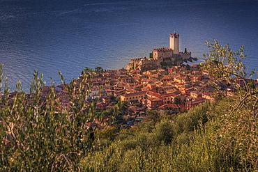 Elevated view of  Castello Scaligero (Scaliger Castle), Malcesine, Lake Garda, Veneto, Italian Lakes, Italy, Europe