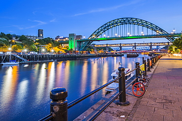 View of Tyne River and Tyne Bridge at dusk, Newcastle-upon-Tyne, Tyne and Wear, England, United Kingdom, Europe