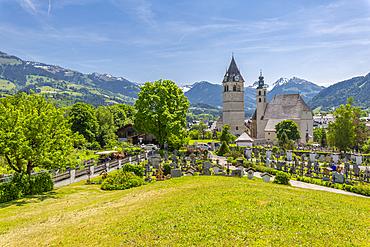 View of town and surrounding mountains, Kitzbuhel, Austrian Tyrol, Austria, Europe
