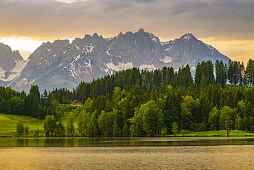 View of the Wilder Kaiser Mountain Range from Schwarzsee near Kitzbuhel, Tyrol, Austria, Europe