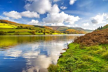 View of autumn colours at Ladybower Reservoir, Derbyshire, Peak District National Park, England, United Kingdom, Europe