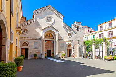 View of Cathedral of Saints Philip and James on Corso Italia, Sorrento, Campania, Italy, Europe