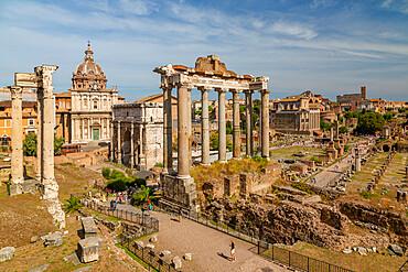 View of Roman Forum (Foro Romano), Temple of Saturn and Arch of Septimius Severus, UNESCO World Heritage Site, Rome, Lazio, Italy, Europe