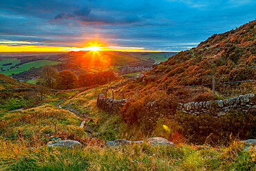 View of sunset from Baslow Edge, Derbyshire Peak District, England, United Kingdom, Europe