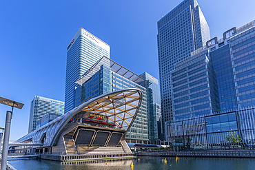 View of the Crossrail Station in Canary Wharf, Docklands, London, England, United Kingdom, Europe