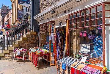View of traditional tartan fabric shop on the Golden Mile (Royal Mile), High Street, Edinburgh, Scotland, United Kingdom, Europe