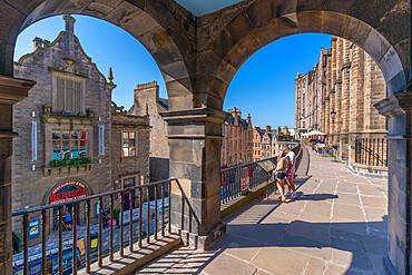 View of W Bow (West Bow) from Victoria Terrace, Edinburgh, Lothian, Scotland, United Kingdom, Europe