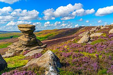 View of the Salt Cellar Rock Formation, Derwent Edge, Peak District National Park, Derbyshire, England, United Kingdom, Europe