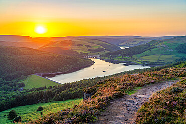 View of Ladybower Reservoir from Bamford Edge at sunset, Bamford, Peak District NP, Derbyshire, England, United Kingdom, Europe