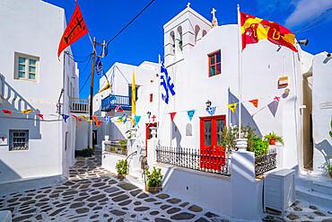 View of chapel and white washed narrow street, Mykonos Town, Mykonos, Cyclades Islands, Greek Islands, Aegean Sea, Greece, Europe