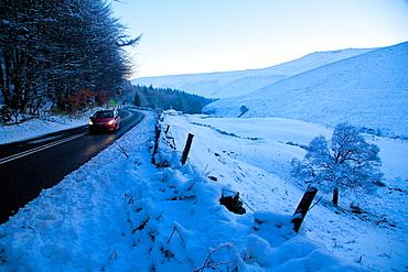 Snow scene on Snake Pass, Peak District National Park, Derbyshire, England, United Kingdom, Europe