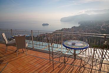 View of Sorrento and Tyrrhenian Sea from above Sorrento, Costiera Amalfitana (Amalfi Coast), UNESCO World Heritage Site, Campania, Italy, Europe