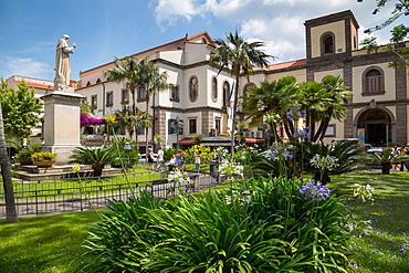 Piazza Sant Antonino, Sorrento, Costiera Amalfitana (Amalfi Coast), UNESCO World Heritage Site, Campania, Italy, Europe