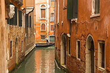 Canal and gondolier, Venice, UNESCO World Heritage Site, Veneto, Italy, Europe - 844-9519
