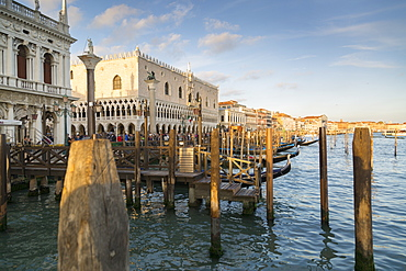 Doge's Palace and Grand Canal, Venice, UNESCO World Heritage Site, Veneto, Italy, Europe