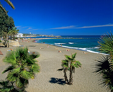 View along beach, Marbella, Costa del Sol, Andalucia, Spain, Mediterranean, Europe