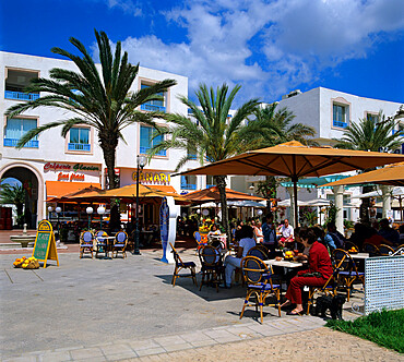 Cafe scene at the marina, Yasmine Hammamet, Cap Bon, Tunisia, North Africa, Africa