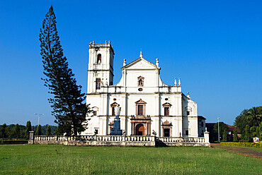 The Se (St. Catherine`s Cathedral), Old Goa, UNESCO World Heritage Site, Goa, India, Asia