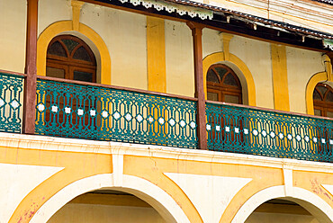 Portuguese era balcony in the old quarter, Fontainhas, Panjim, Goa, India, Asia