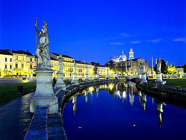 Prato della Valle and Santa Giustina at night, Padua, Veneto, Italy, Europe