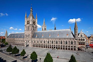 The Cloth Halls, Grote Markt Albert 1, Ypres, West Vlaanderen, Belgium, Europe