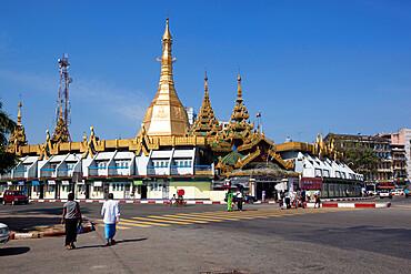 Sule Pagoda on roundabout, Yangon (Rangoon), Yangon Region, Myanmar (Burma), Asia