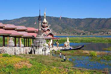 Tharkong Pagoda, Inle Lake, Shan State, Myanmar (Burma), Asia