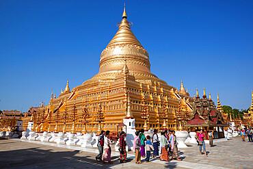 Shwezigon Pagoda, Bagan, Central Myanmar, Myanmar (Burma), Asia