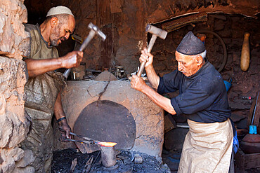 Blacksmiths workshop at the Monday Berber market, Tnine Ourika, Ourika Valley, Atlas Mountains, Morocco, North Africa, Africa
