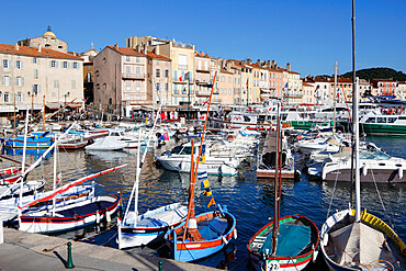 View of harbour, Saint-Tropez, Var, Provence-Alpes-Cote d'Azur, Provence, France, Mediterranean, Europe
