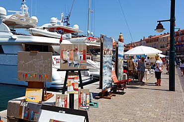 Art market along harbour, Saint-Tropez, Var, Provence-Alpes-Cote d'Azur, Provence, France, Europe